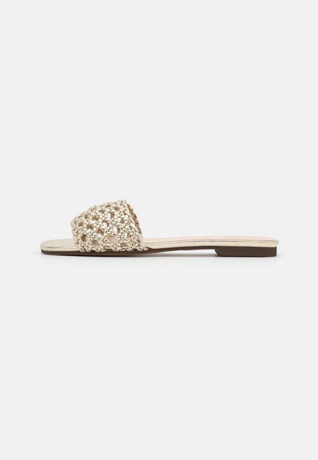 LYMA - Pantofle - or