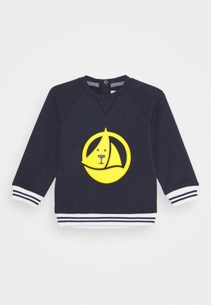 Sweatshirt - smoking