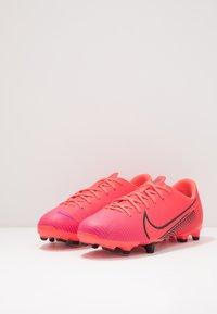 Nike Performance - MERCURIAL JR VAPOR 13 ACADEMY FG/MG UNISEX - Moulded stud football boots - laser crimson/black - 3