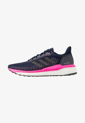 SOLAR DRIVE 19 - Zapatillas de running neutras - collegiate navy/core black/shock pink