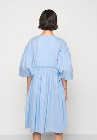 Henrik Vibskov - DARLING DRESS - Hverdagskjoler - light blue - 2