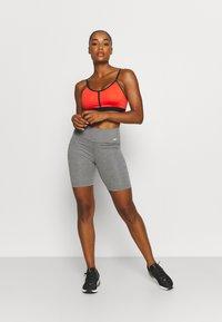 Nike Performance - ONE SHORT 2.0 - Collants - iron grey/heather/white - 1