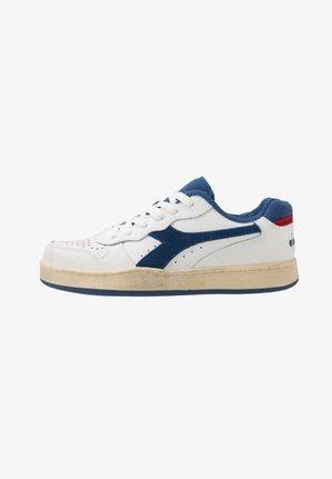 BASKET USED UNISEX - Sneaker low - white/bijou blue