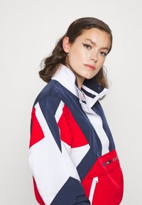 Tommy Jeans - COLORBLOCK LOGO - Windbreaker - deep crimson/multi - 3