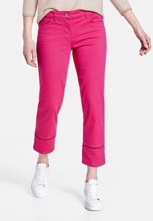 Straight leg jeans - rasberry