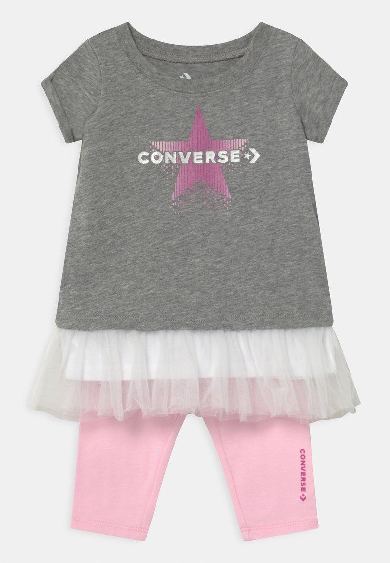 Converse - GRAPHIC CAPRI SET  - Leggings - grey heather