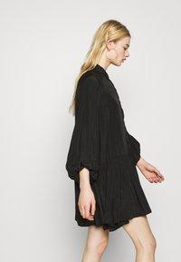 Glamorous - TIERED DRESS - Sukienka koszulowa - black - 3