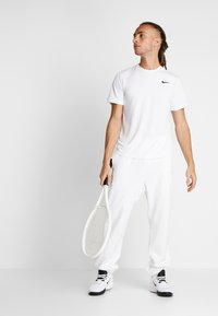 Nike Performance - DRY - Basic T-shirt - white/black - 1