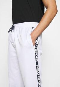 Polo Ralph Lauren - Træningsbukser - pure white - 3
