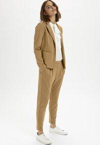 Cream - ANETT BLAZER - Blazer - luxury camel - 1