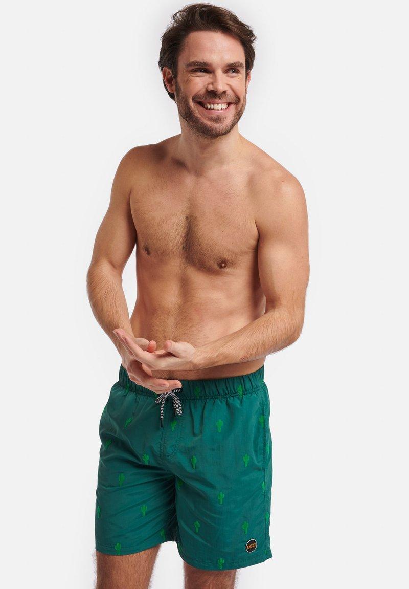 Shiwi - CACTUS FLOCK - Swimming shorts - cilantro