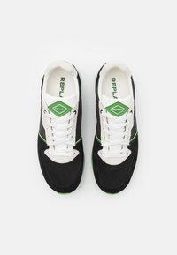 Replay - CLASSIC WEST - Sneakers - black/white/green - 7