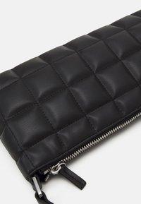 Monki - DUNDEE BAG - Handbag - black - 3