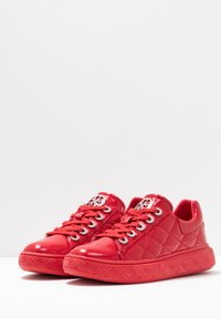 Guess - BECKS - Trainers - red - 4