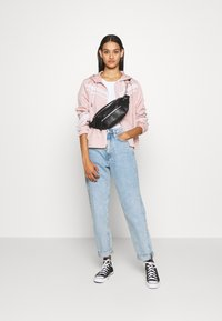 Hollister Co. - Windbreaker - misty rose - 1