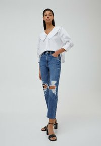 PULL&BEAR - MOM - Relaxed fit jeans - mottled blue - 1