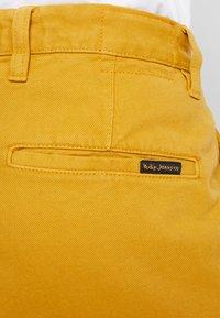 Nudie Jeans - LUKE - Denim shorts - tumeric - 5