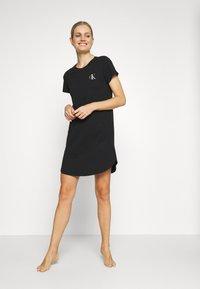 Calvin Klein Underwear - LOUNGE NIGHTSHIRT - Negligé - black - 1