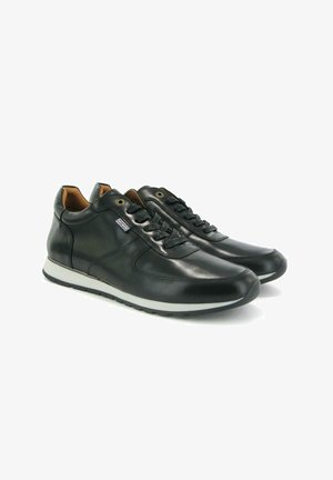 SNEAKERS IN PULL UP LEATHER - Sneakers laag - black