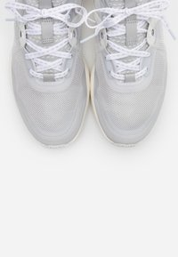 Cole Haan - ZEROGRAND COMPLETE RUNNER - Trainers - optic white/signature gold/birch/ivory - 4