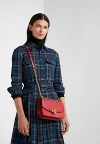 Lauren Ralph Lauren - MADISON - Across body bag - red - 1
