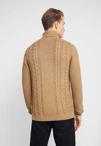 Lindbergh - CABLE  - Stickad tröja - sand - 2