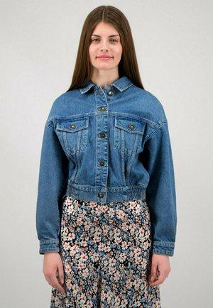 Denim jacket - light blue washed