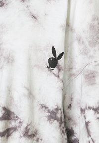 Missguided - PLAYBOY TIE DYE OVERSIZED DRESS - Vestido ligero - charcoal - 2