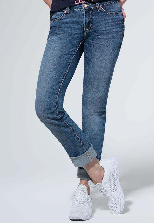 MIT GERADEM BEIN  - Slim fit jeans - blue