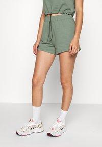 Even&Odd - SET - Sweatshirt and Short - Kraťasy - green - 2