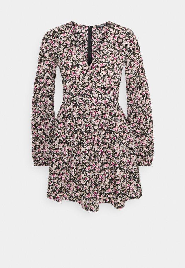 FLORAL NECK SKATER  - Korte jurk - black