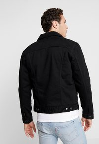 Levi's® - TYPE 3 SHERPA TRUCKER - Denim jacket - back denim - 2