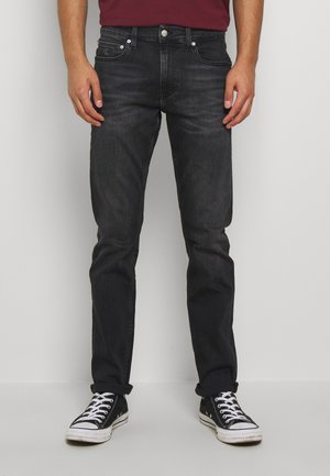 CKJ 026 SLIM - Slim fit jeans - washed black