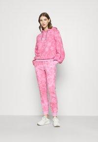 Ellesse - FLUO - Hoodie - pink - 1
