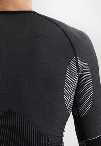 CMP - SEAMLESS - Undershirt - schwarz - 4
