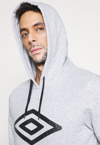 Umbro - LARGE LOGO HOODIE - Hoodie - grey marl/black - 3