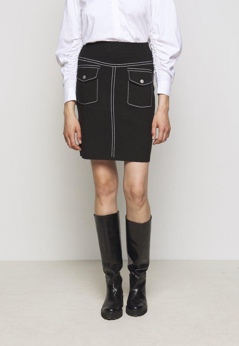 Steffen Schraut - POCKET SKIRT SPECIAL - Pencil skirt - black