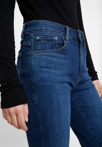 G-Star - 3301 HIGH SKINNY - Jeans Skinny Fit - medium blue aged - 5