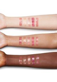 Charlotte Tilbury - CHARLOTTE'S JEWEL LIPS - Lip gloss - blush gold - 1