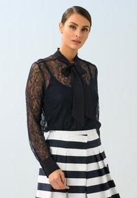 Alba Moda - Button-down blouse - marineblau - 0