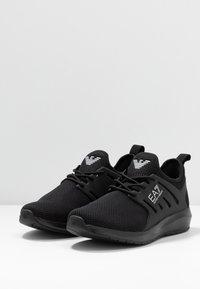 EA7 Emporio Armani - Sneakers - triple black - 2