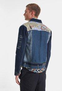 Desigual - CHAQ  ADAM - Kurtka jeansowa - blue - 2