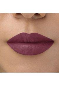 bareMinerals - BAREPRO LONGWEAR LIPSTICK - Lipstick - boysenberry - 2
