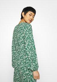 Ghost - ELIZA DRESS - Robe d'été - green print - 3