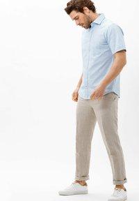 BRAX - STYLE HARDY - Shirt - blau>i - 1
