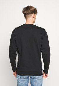 Newport Bay Sailing Club - CORE - Sweatshirt - black