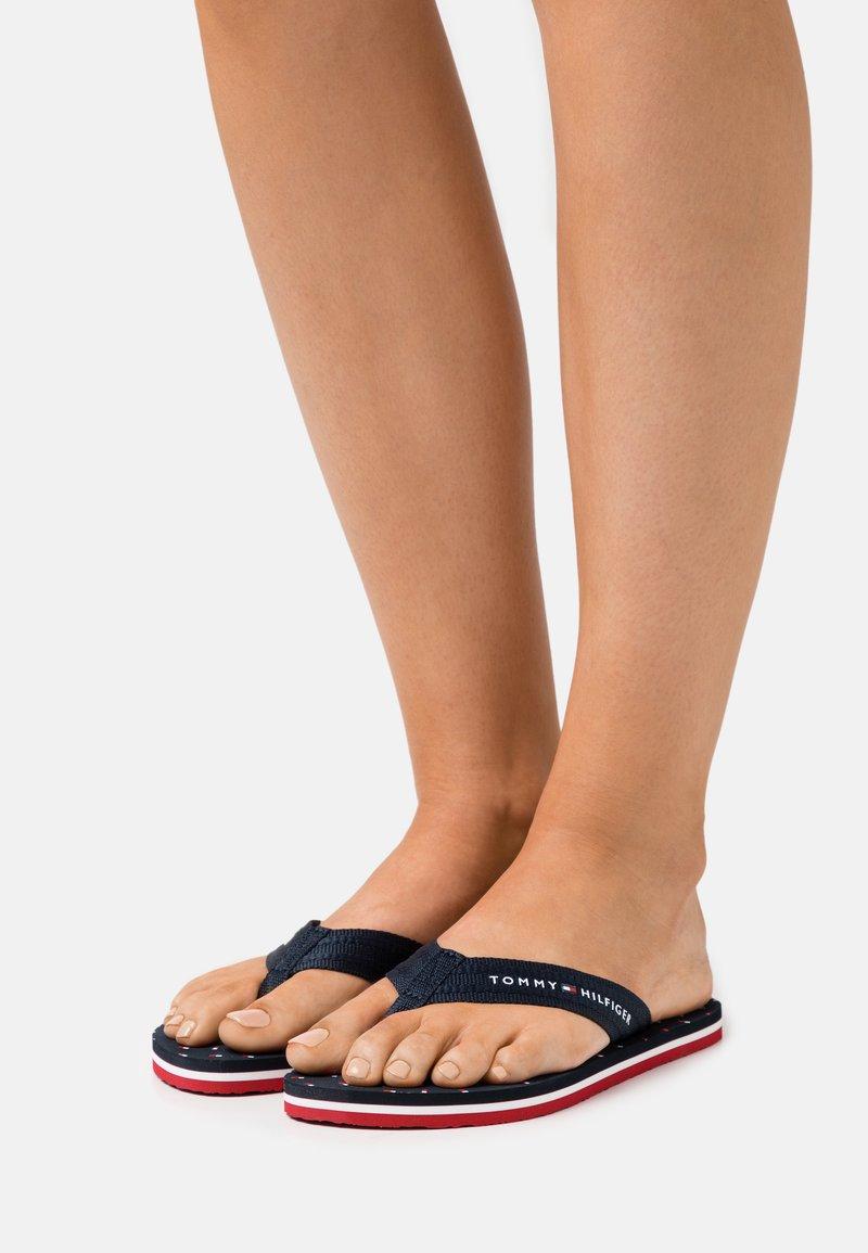 Tommy Hilfiger - MNI FLAGS BEACH - T-bar sandals - desert sky