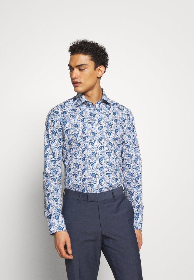 SLIM FIT - Camicia elegante - white/blue