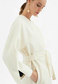 Luisa Spagnoli - Classic coat - panna - 3