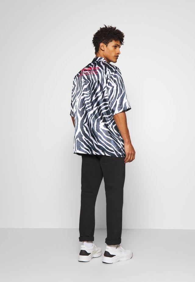 BOXY - Shirt - zebra